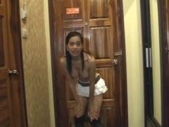 Thainutte im Hotel gefickt