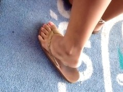 Sexy Candid Asian Feet and Legs in Flip Flops