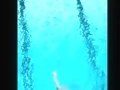 Seria na piscina