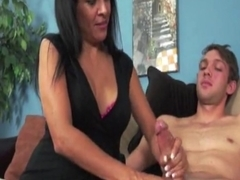 experienced cougar jerking rod until cumshot