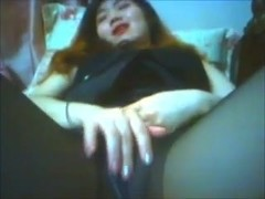 Yeing Jeong masturbates on livecam