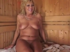 junior Woman seduces Older in Sauna