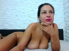 Solo brunett masturbation