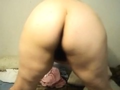 large agreeable woman non-professional playgirl ready to pose