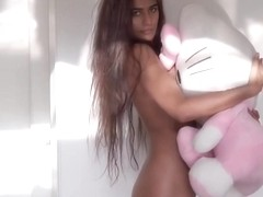 Poonam Pandey kitty latest video