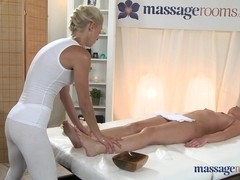 Sexy lesbian lady does a professional massage to her ex