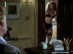Angie Dickinson,Nancy Allen in Dressed To Kill (1980)