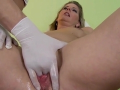 Horny milf Laura Long gets her pussy caressed