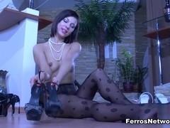 NylonFeetLine Video: Lily C