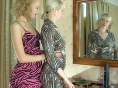 LickSonic Scene: Natali and Irene