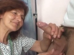 Sewing granny jumps on recent knob