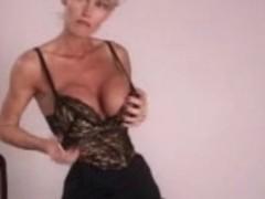 Older hawt body secretary Nylons heels and vibrator