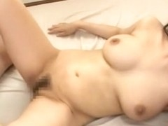 Crazy Japanese model Kyouko Maki in Hottest Threesome, Cunnilingus JAV clip
