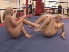 Women Wrestling - Cat Fight