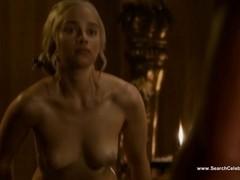 Emilia Clarke undressed - Game of Thrones S3E8