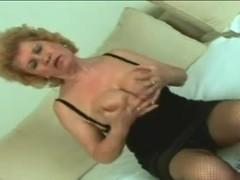 Effie blows and copulates a boyfrend!