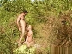 Amateur sex in the forest jungle