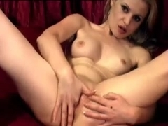 I'm touching my curves in amateurs masturbating clip