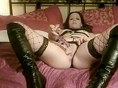Kinky Amateur Wife In Leather Boots