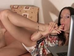 Toe engulfing & masturbation