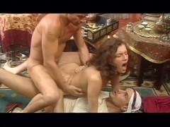 Regina Sipos - double penetration pour la vendeuse