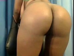 chunky darksome beauty on livecam toying butt