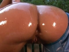Gorgeus bitches with amazing huge sexy butts outside