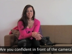 Brunette amateur takes huge facial in Casting interview
