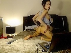 missycupcake non-professional movie on 01/24/15 01:40 from chaturbate