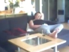 Voyeuring mamma fingering on the bed