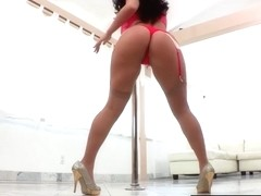 Sophie gags on big cock after making herself squirt