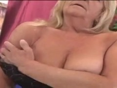 Hawt granny Lola screwed