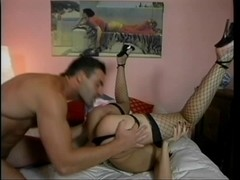 Bitch takes unfathomable anal drilling in daybed