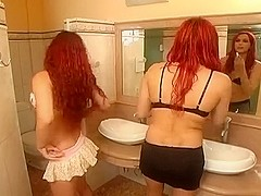 Sweet Girl Frigged By A Redhead TS