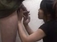 Guy's semen flows down her pretty face on amateur movie